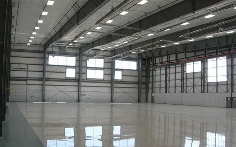 Hangar 11 Stijgend